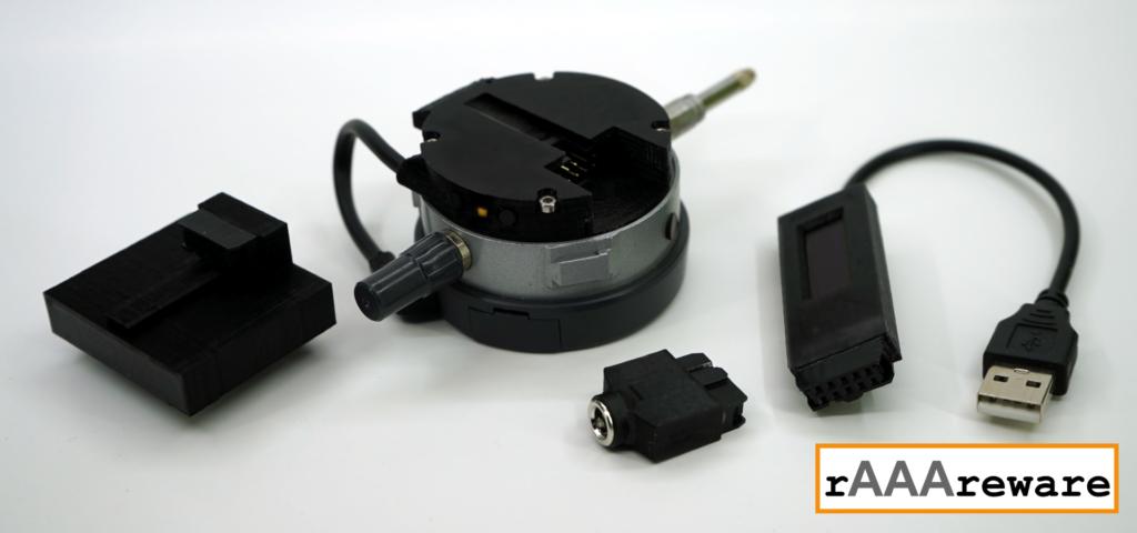 Montiertes Modul M4 mit einigen Zusatzmodulen (vlnr: Akkupack; 5,5mm Kaltgeräte-Steckverbindung; OLED-Display)